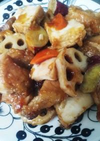簡単!根菜と厚揚げ、鶏肉の黒酢ダレ炒め