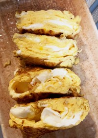 簡単・さけるチーズ挟んだ卵焼き伸びます