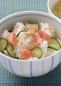 越前きゅうりと鮭の混ぜご飯【JA福井県】