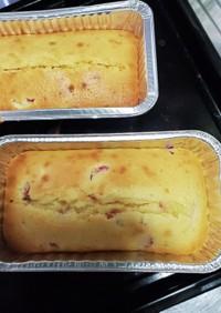 ふんわりイチゴのパウンドケーキ