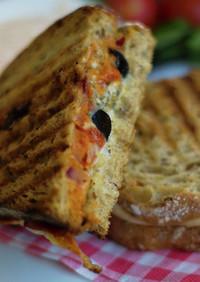 サバフィレのクラブハウスサンドイッチ