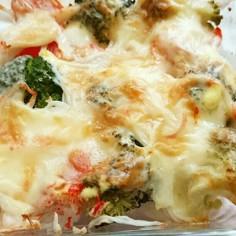 玉葱とブロッコリーとカニカマのチーズ焼き