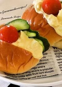 ロールパンでふんわり卵サンド