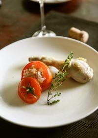 トマト・リゾット〜骨付き鶏モモ肉添え
