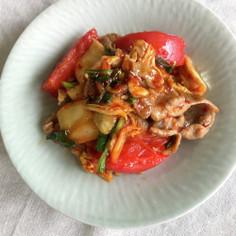 トマトとニラの豚キムチ