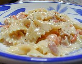 カマンベール&トマトクリームソースのファルファッレ__Farfalle with Camenbert&Tomato Cream Sauce