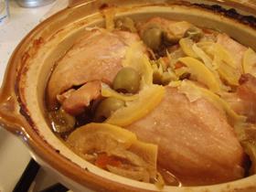 土鍋でレモンとオリーブのチキンタジン