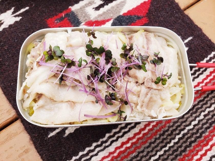 キャンプメシ*葱と豚バラ肉の炊き込みご飯