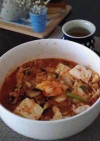 一人ランチに簡単!キムチと豆腐の鍋