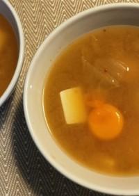 簡単!チゲ風味噌汁(卵黄入り)