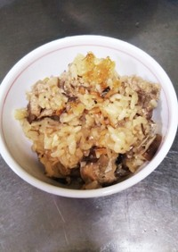 牡蠣醤油で鯖水煮缶の炊き込みご飯