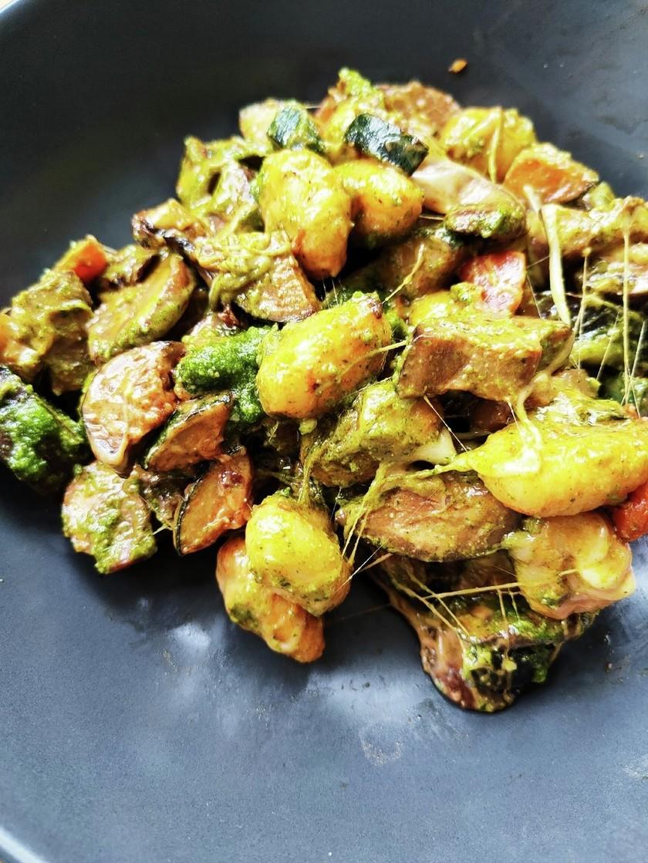 焼き野菜のジェノベーゼニョッキ