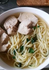 鶏ハム茹でた煮汁で拉麺美味しいよ〜