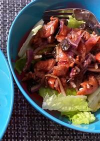 スモークサーモンとバルサミコ酢のサラダ