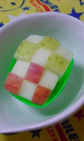 お弁当に♪りんごの飾り切り◇格子◇