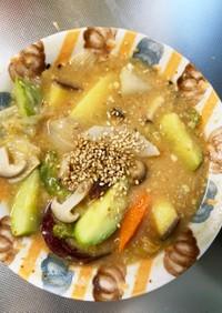 根菜万能麺のすごだれ炒め味温野菜サラダ