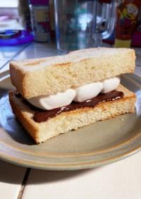 食パンで簡単!とろけるスモアサンド