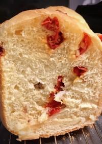 ドライトマトとアンチョビ食パン(HB)