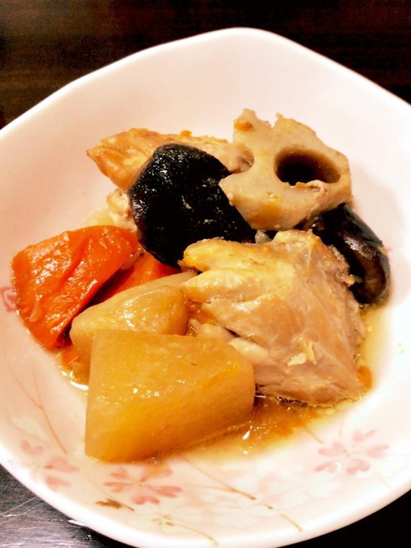圧力鍋で大きな鶏肉の煮物