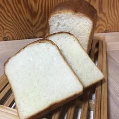 地産地消の「十勝産100%」山食パン