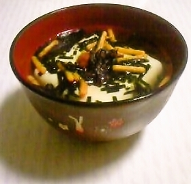 夜食やダイエットにヘルシー豆腐お茶漬け