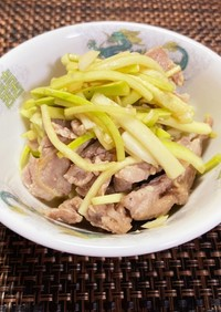 《豚肉》豚こまとズッキーニの中華風炒め