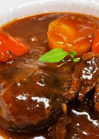 圧力鍋で、お肉とろとろビーフシチュー