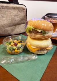 照焼きバーガー&エッグマフィン 豆サラダ