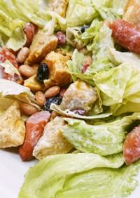 サツマイモとウインナー、蒸し豆のサラダ