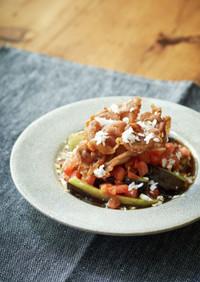 揚げ野菜とカリカリ豚のトマトポン酢がけ