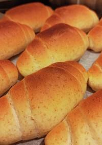 手作り全粒粉ロールパン