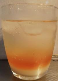 夏みかん酒とカルピスで3層のカクテル風