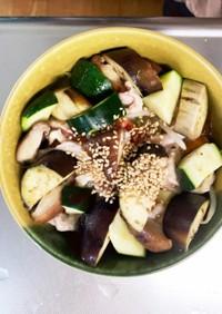 豆腐バーグ入トマトクリーム豚こまドーム蒸