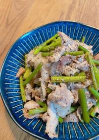 カリカリ豚とニンニクの芽の中華炒め