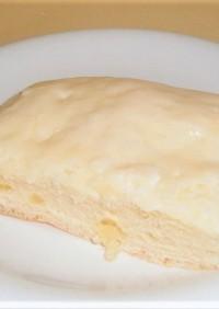 チーズケーキ風味の白い座布団パン