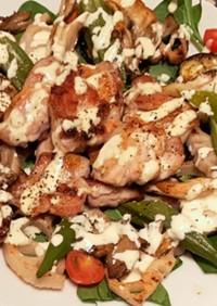 秋野菜と鶏もも肉のホットサラダ