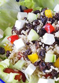 スプーンで頂くレーズン健康サラダ
