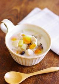 鶏胸肉と根菜と茸のアーモンドミルクスープ