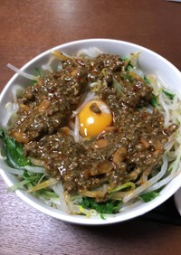 麻辣黒ゴマ汁無し坦々麺のタレ