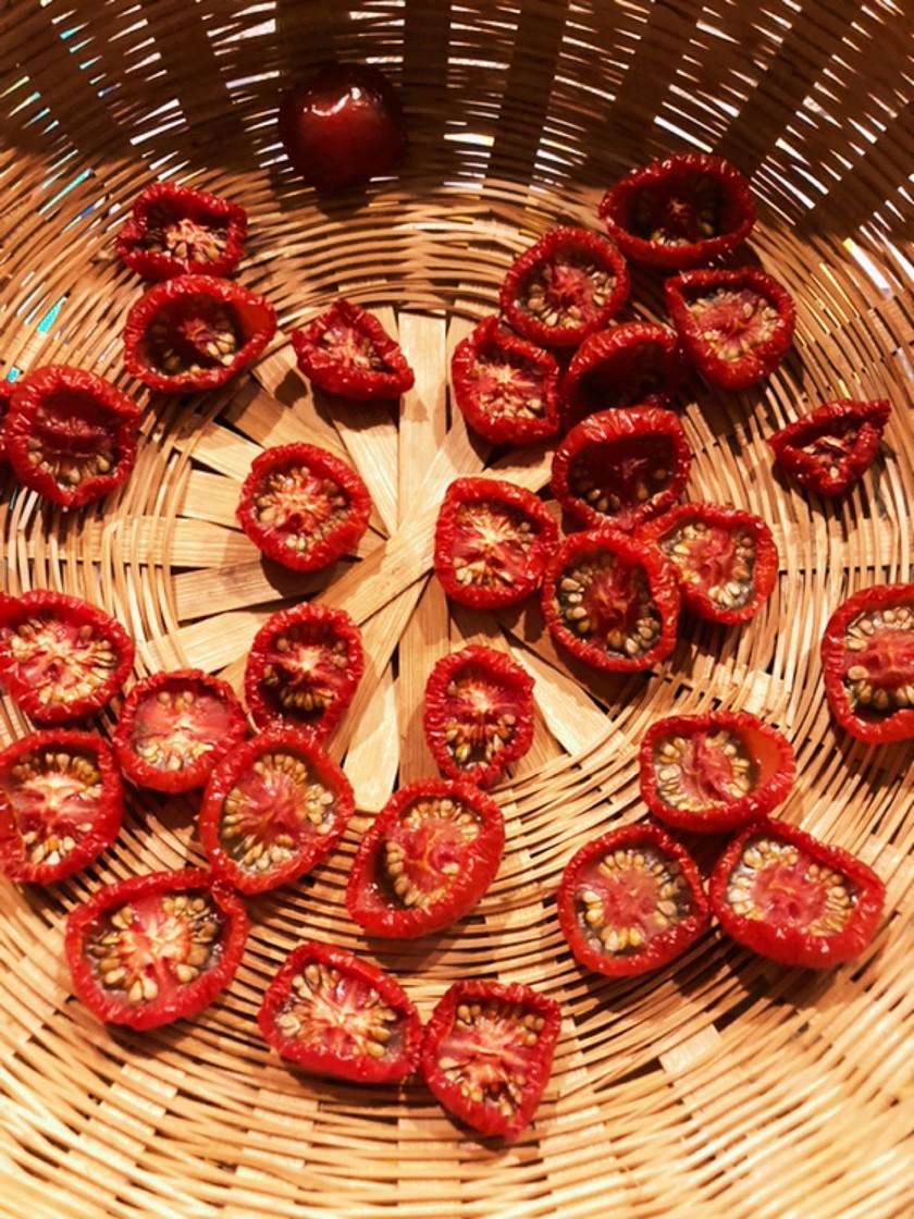 天日干しセミドライトマト