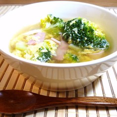 ふんわり卵のブロッコリースープ