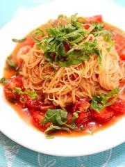 大葉とトマトの冷製パスタ の写真