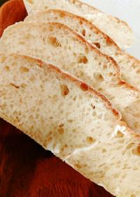 モチモチだけど軽やか高加水の自家製パン
