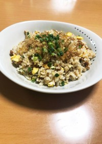 残りご飯で納豆チャーハン