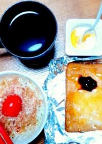ブルーベリージャムハニーバターのトースト