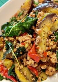 挽き肉の夏野菜炒め