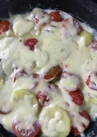 ジャガイモとトマトのチーズ煮