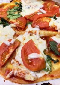 ゆかりのイブクロ  マルゲリータピザ