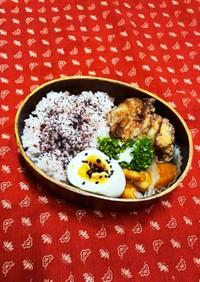 梅干し炊込みご飯と唐揚げ弁当