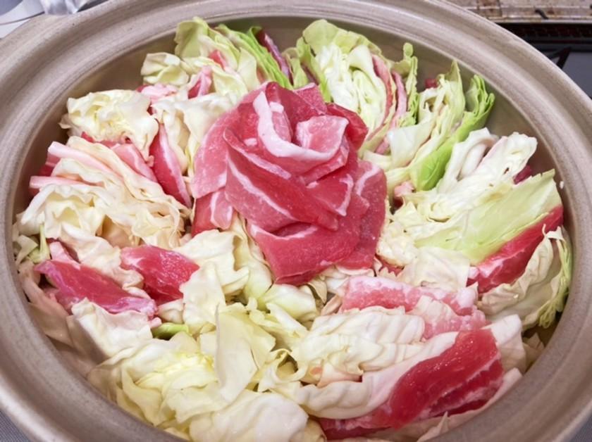 子供も大好き豚肉味噌鍋(バラ肉)